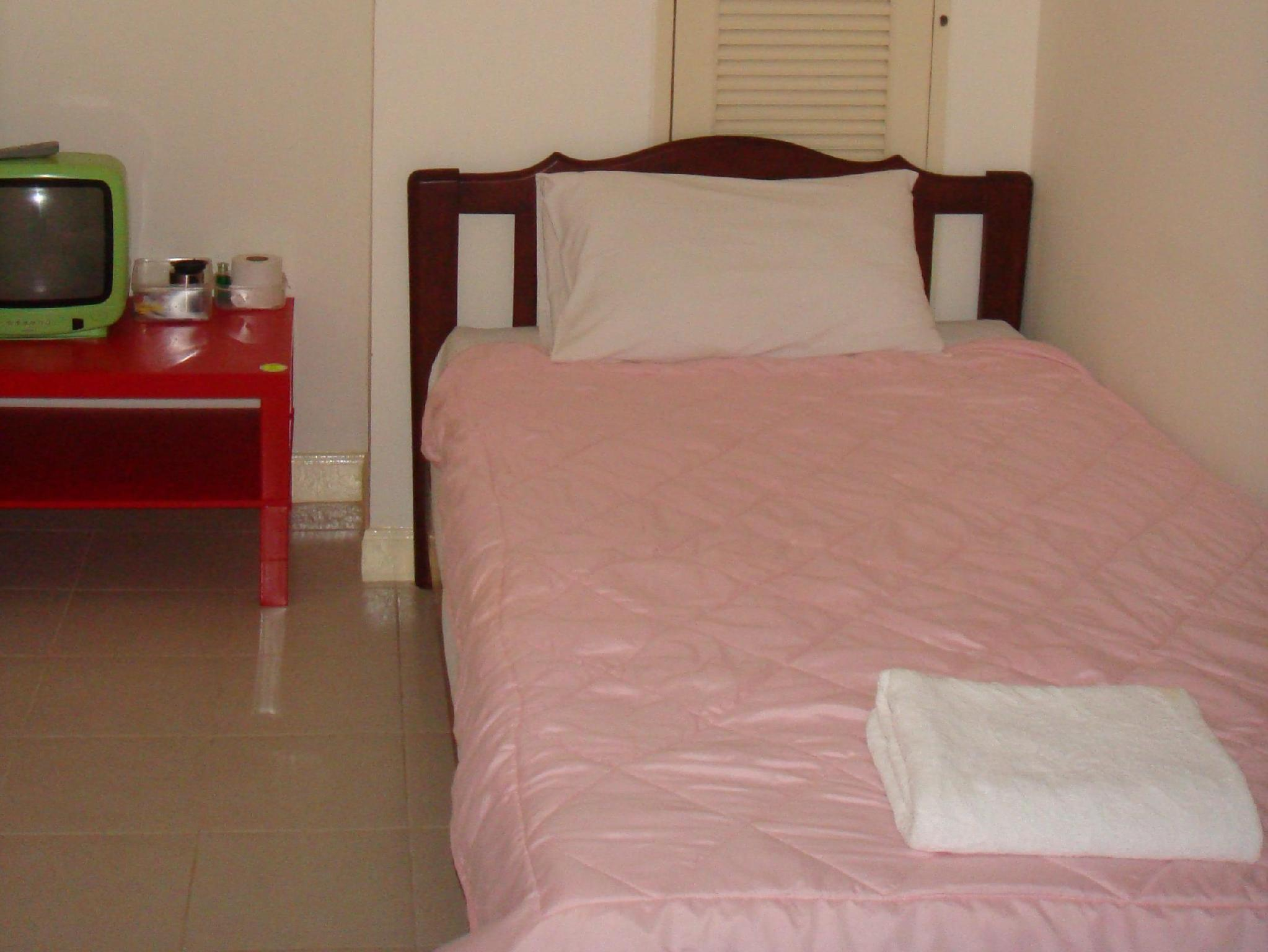 1 persona en dormitori compartit de 4 llits ‒ Només per a dones (1 Person in 4-Bed Dormitory - Female Only)