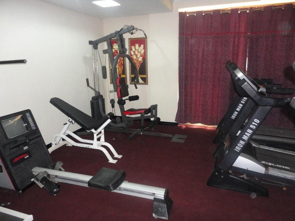 Fitness center Urban Rose Hotel