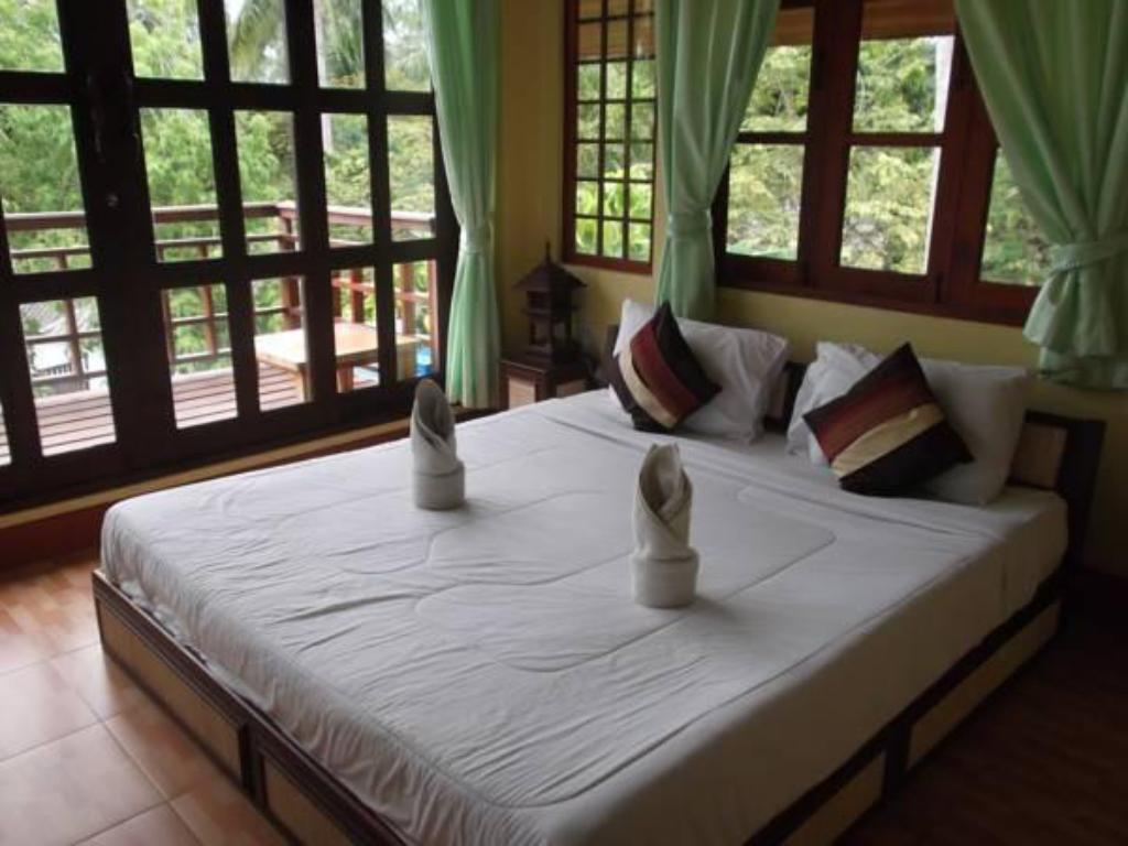 Interior view Hut Sun Bungalows