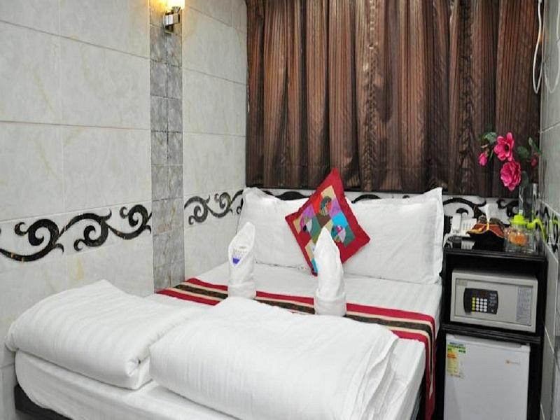Kamar Double (Double Bedroom)