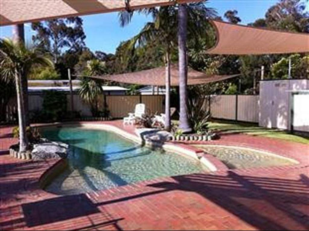 Pool Mallacoota's Shady Gully Caravan Park