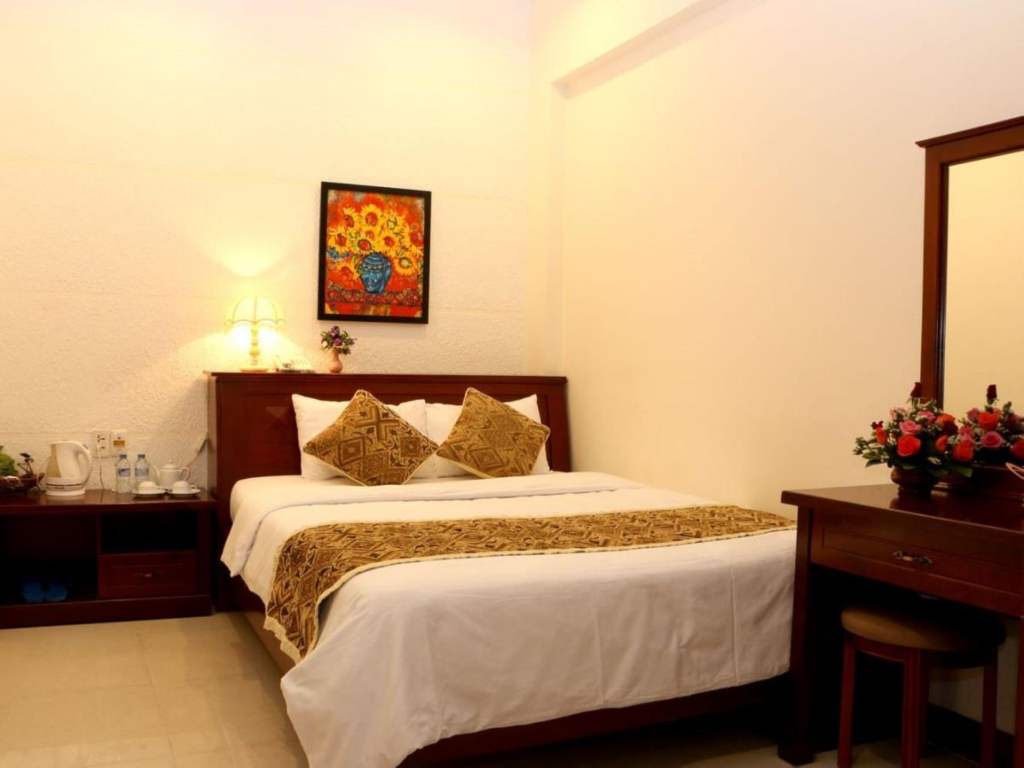 Standard Double Room Only - Bed City Hotel - 35 Luu Van Lang St.