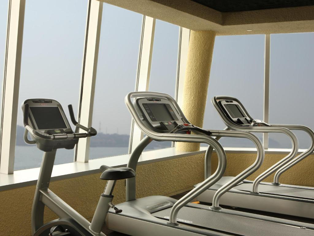 Fitness center Hotel Indigo Xiamen Harbour
