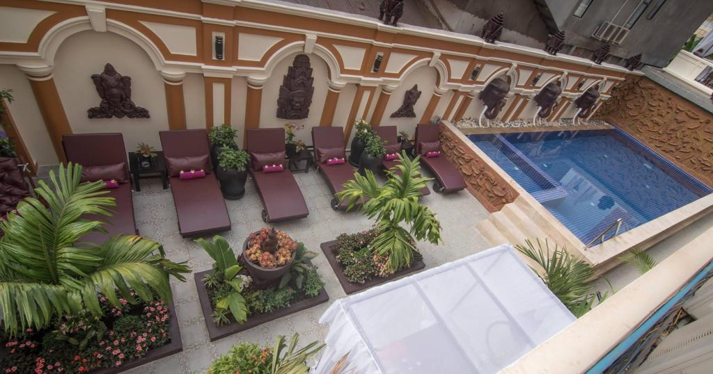Swimming pool [outdoor] Reaksmey Chanreas Hotel