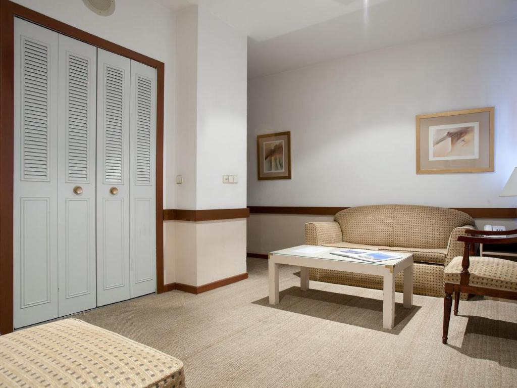 Apartment Double Bed Espahotel Plaza Basilica