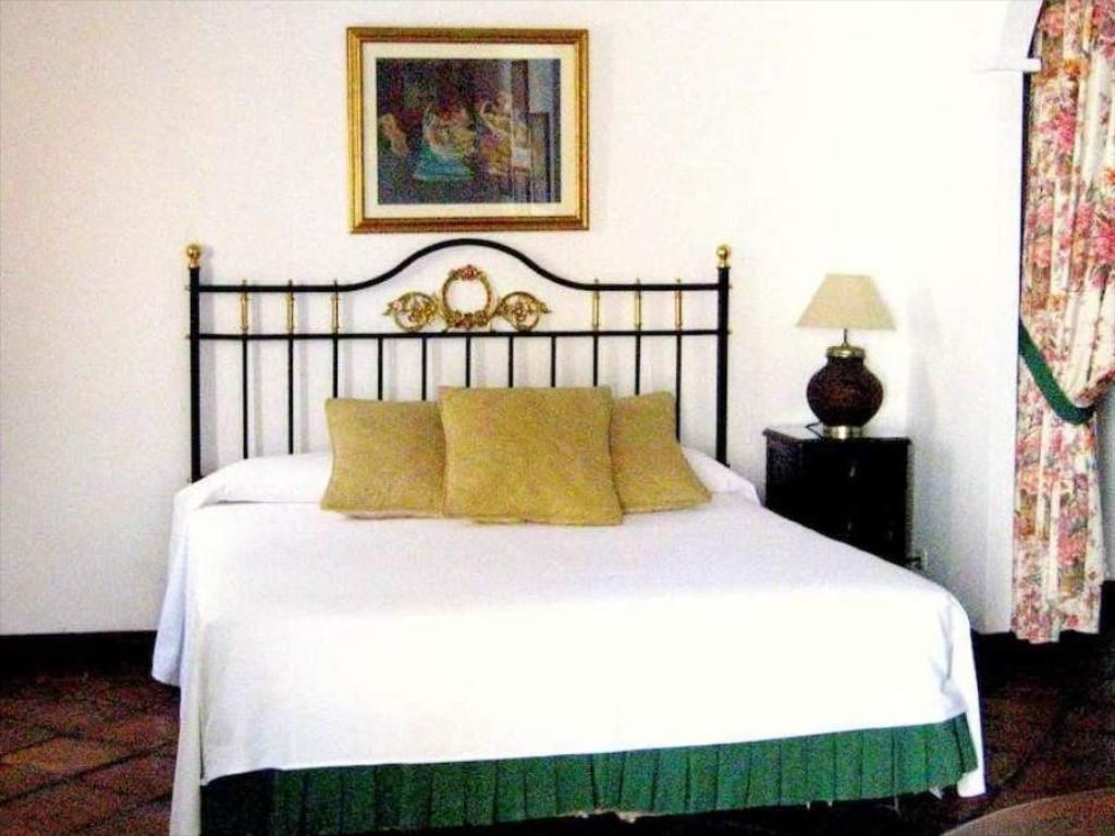 Triple Room - Bed Casa Imperial Hotel