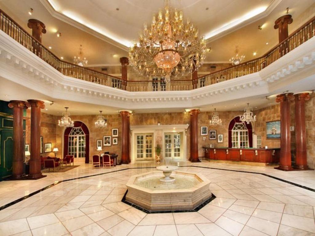 Itc Windsor A Luxury Collection Hotel Bangalore India
