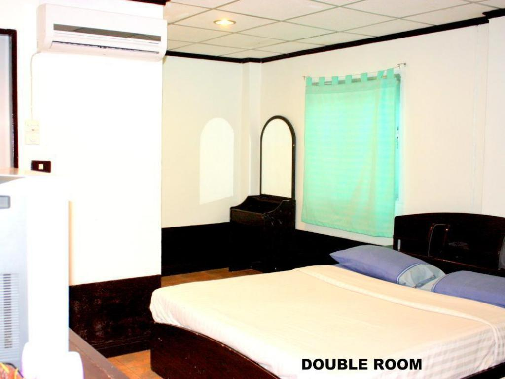Double - Guestroom Flashpackers Hotel