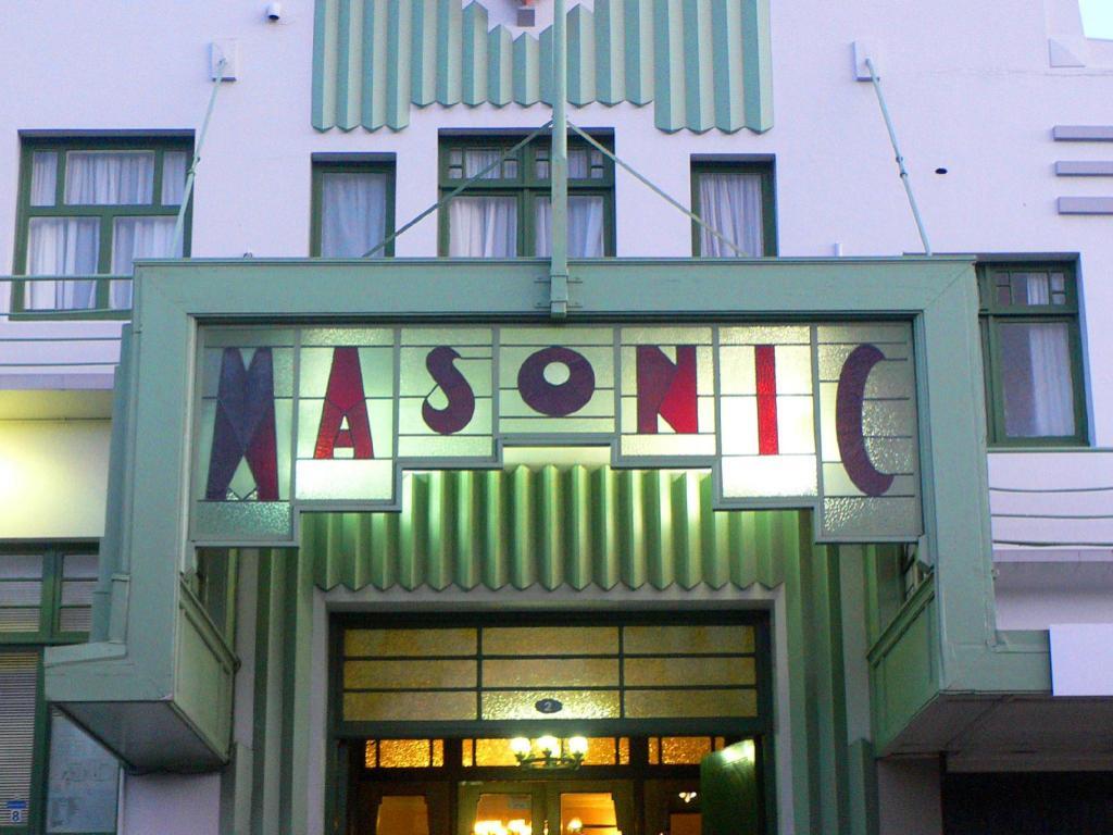 Art deco masonic hotel in napier room deals photos for Deco hotel napier