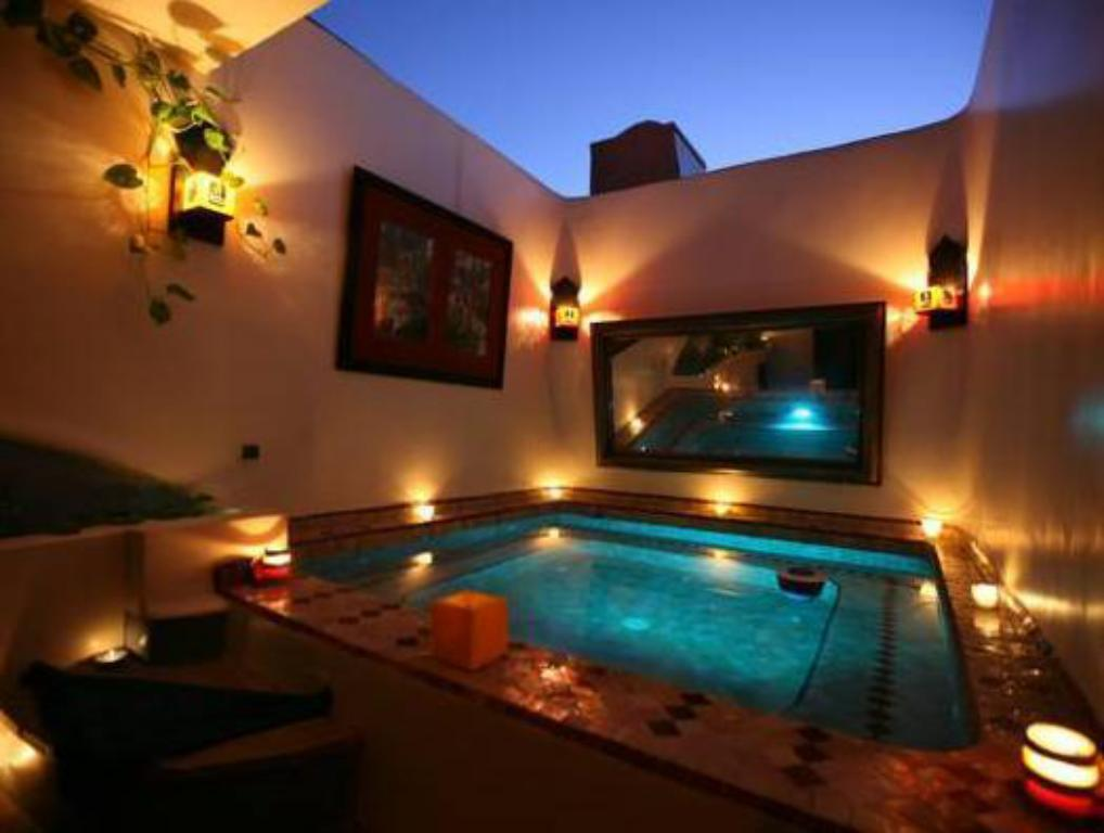 Swimming pool Riad Ain Marrakech