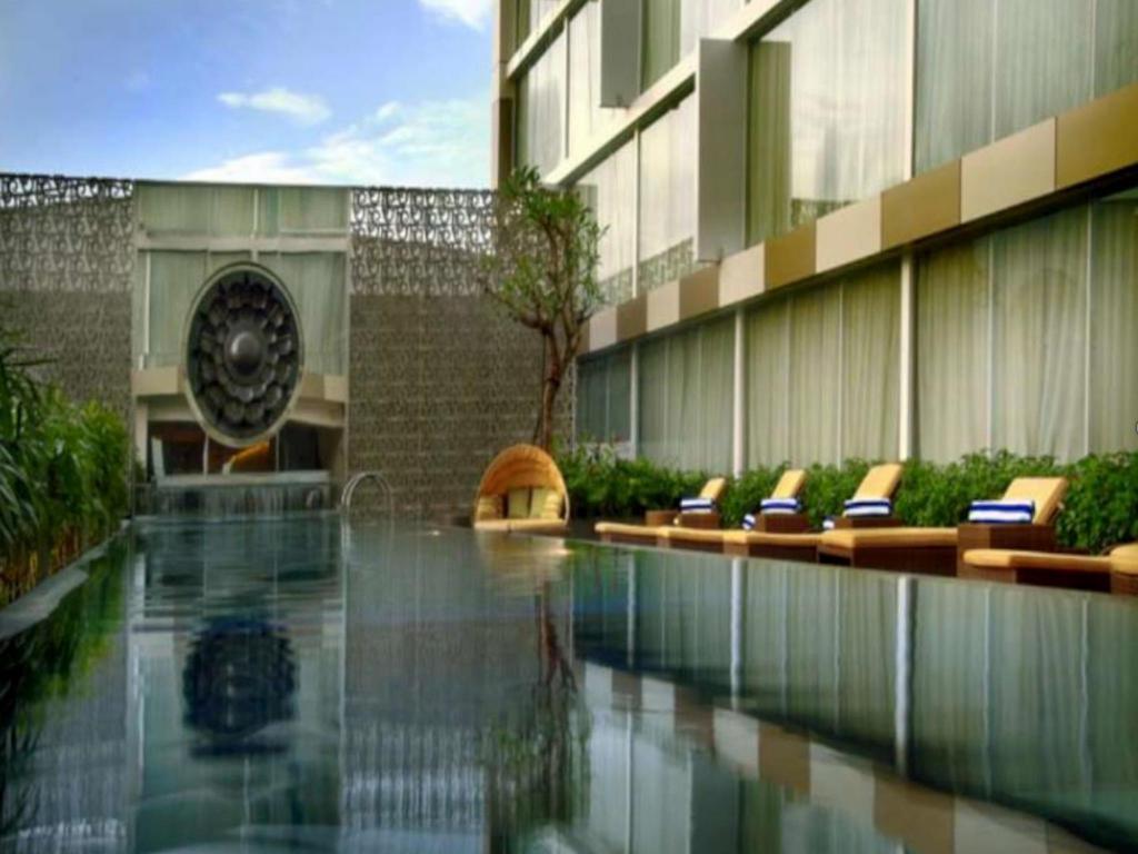 Grand aston yogyakarta in indonesia room deals photos reviews for Jogja plaza hotel swimming pool
