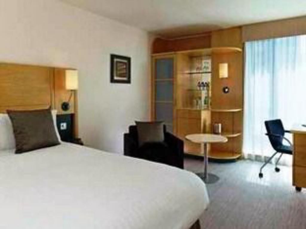 King Executive Room - Guestroom DoubleTree by Hilton Hotel London - Westminster