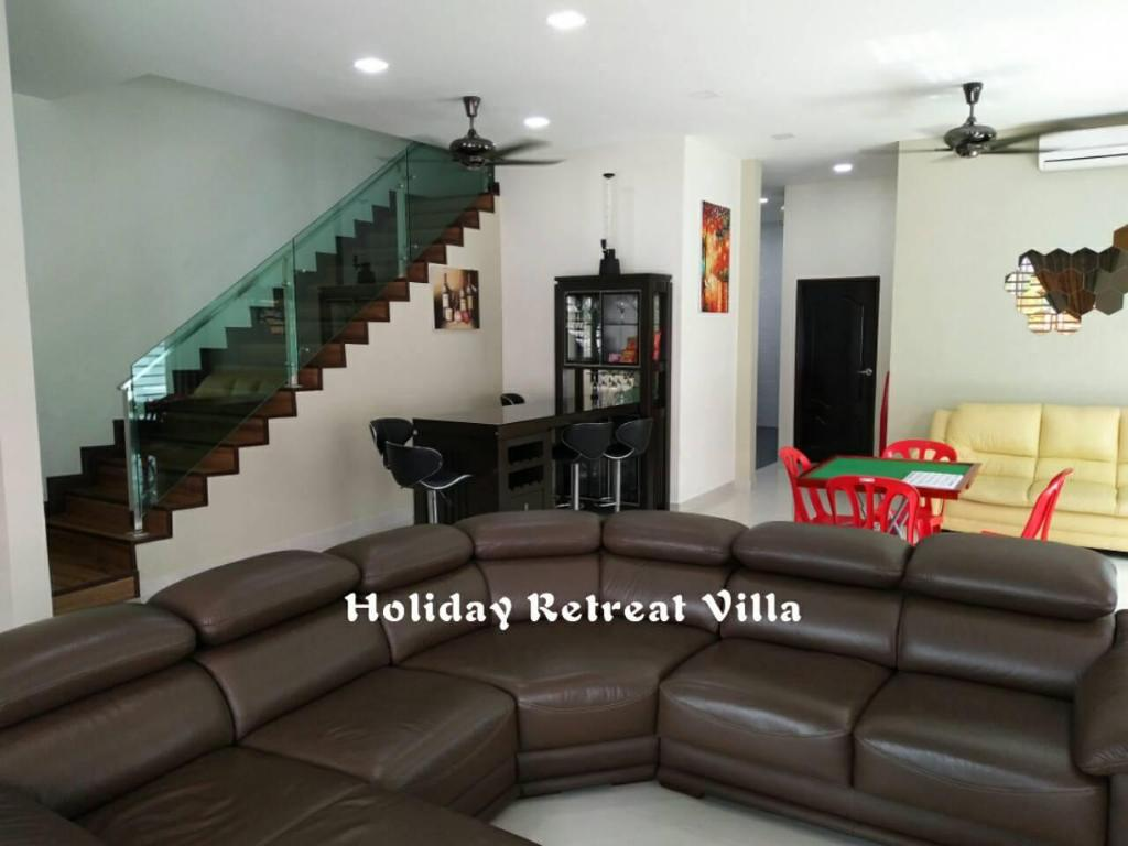 Lounge Holiday Retreat Villa ( HRV)
