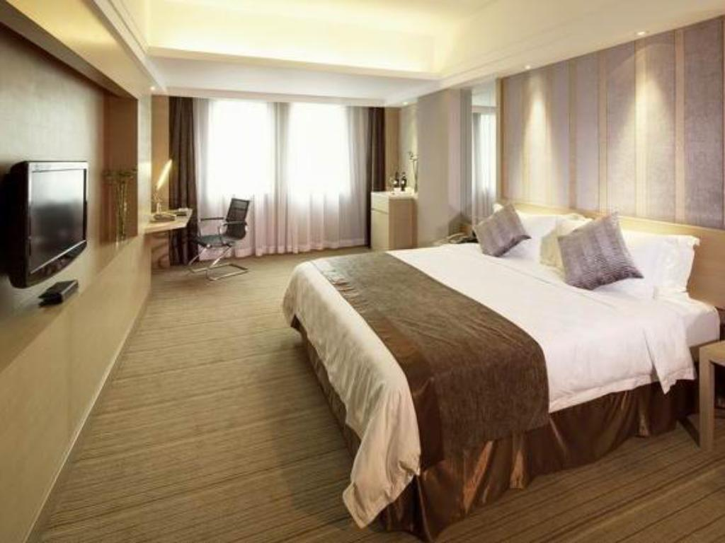 Deluxe King Room - Guestroom Leisure Hotel