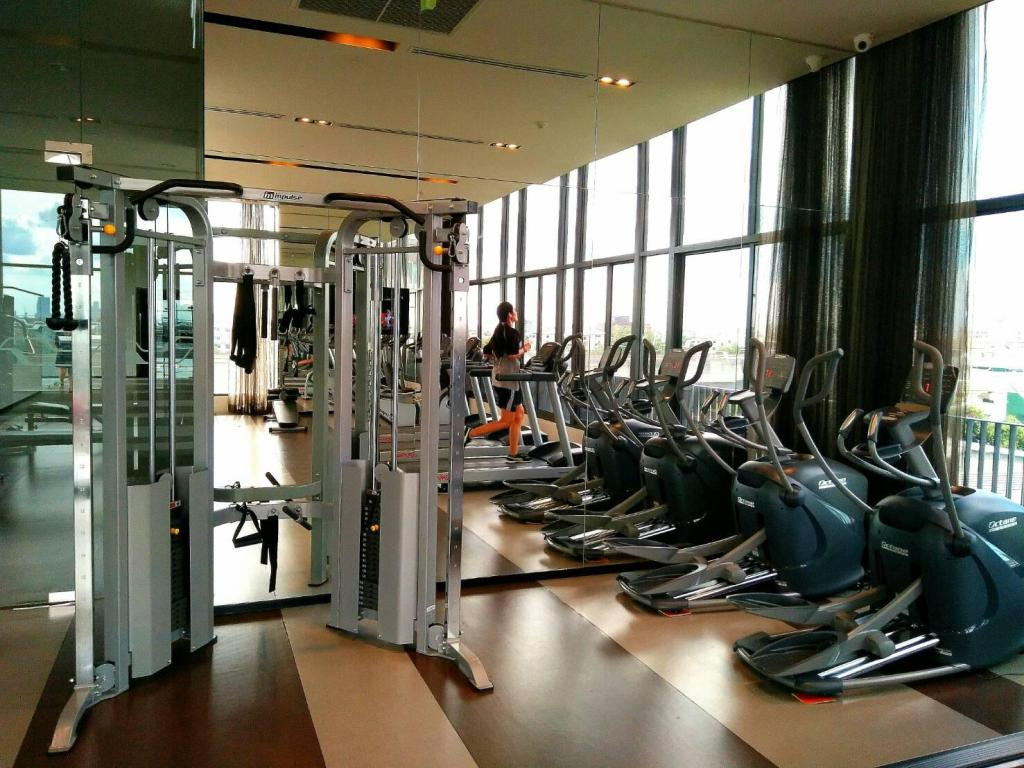 fitnesscenter Sukhumvit New Room BTS Bangna City view Max 3