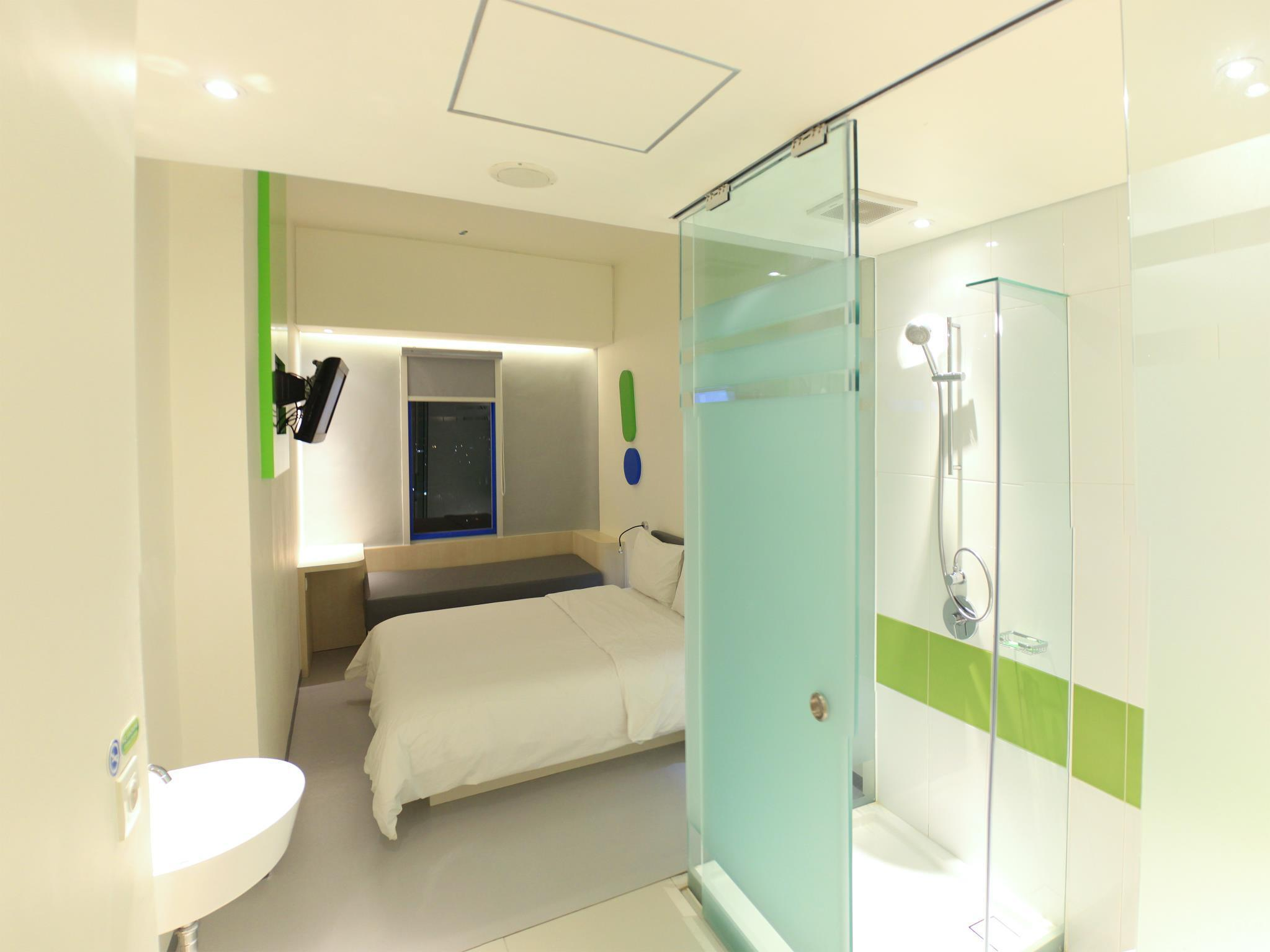 Pop Hotel Festival Citylink Bandung In Indonesia Room Deals Photos Reviews