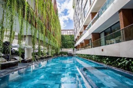 Swimming pool [outdoor] New Orient Hotel Da Nang