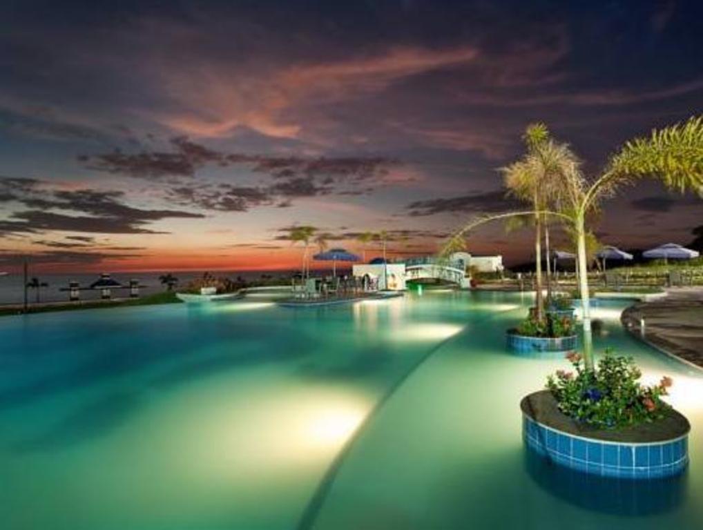 Swimming Pool Thunderbird Resorts Poro Point