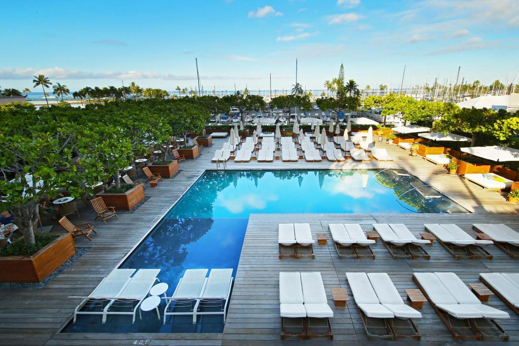 Best price on the modern honolulu hotel in oahu hawaii for Moderne hotels