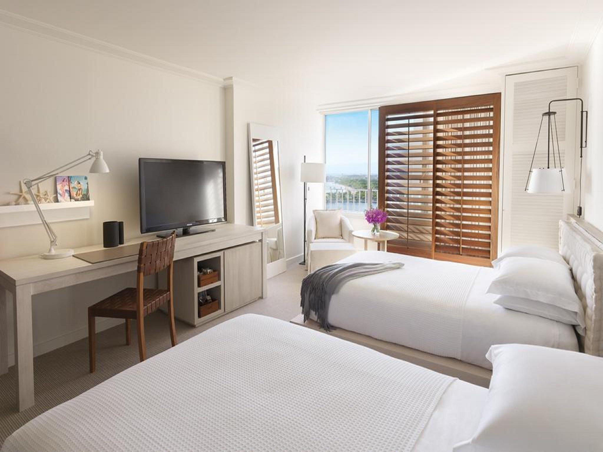 Partial Ocean View Room with 2 Double Beds