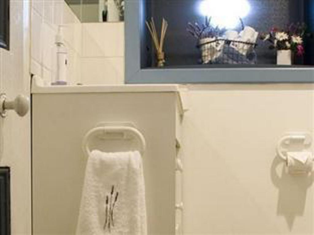 Bathroom Lavender Blue Country Accommodation