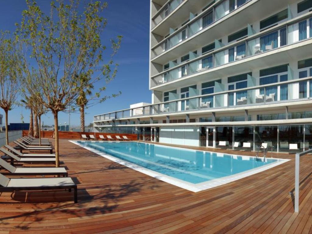 Swimming pool [outdoor] Hotel Atenea Port Barcelona Mataro