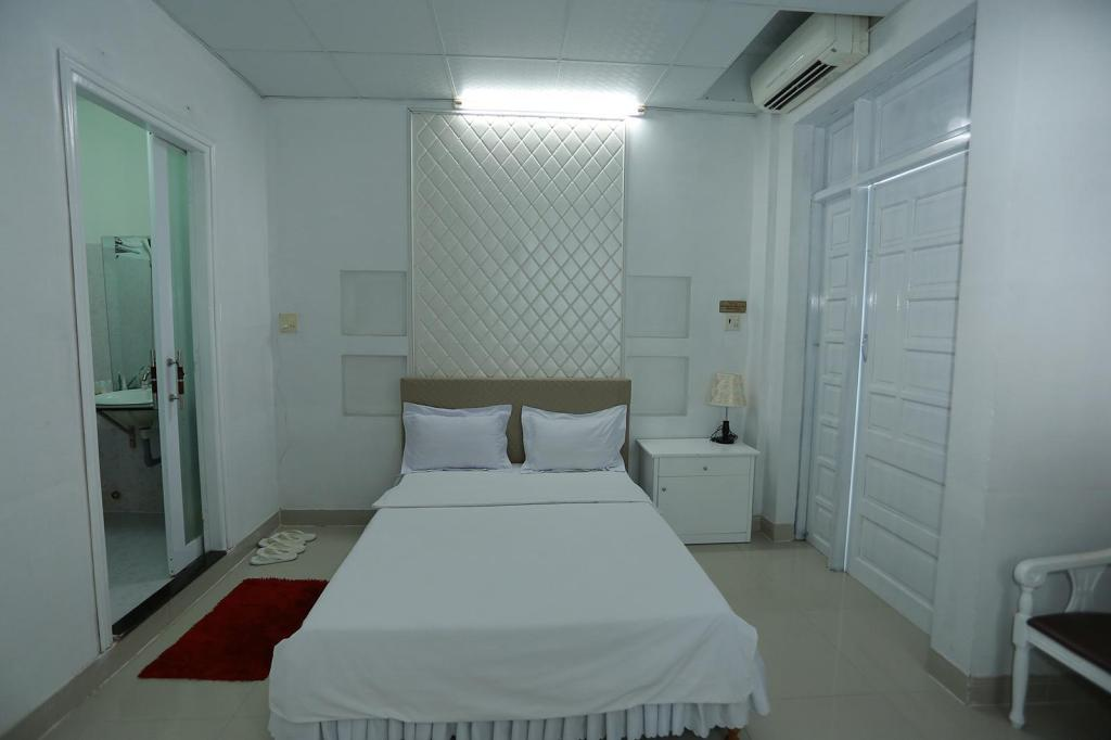 Double VIP - Bed Thanh Long Hotel