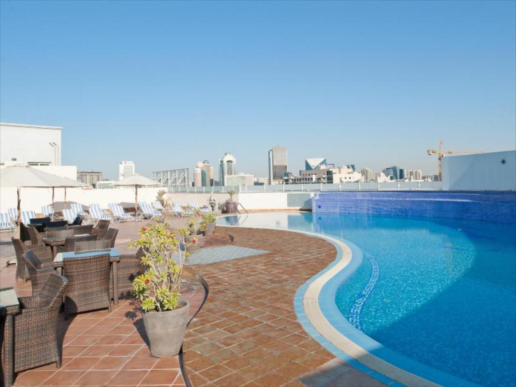 Basen Holiday Inn Bur Dubai - Embassy District
