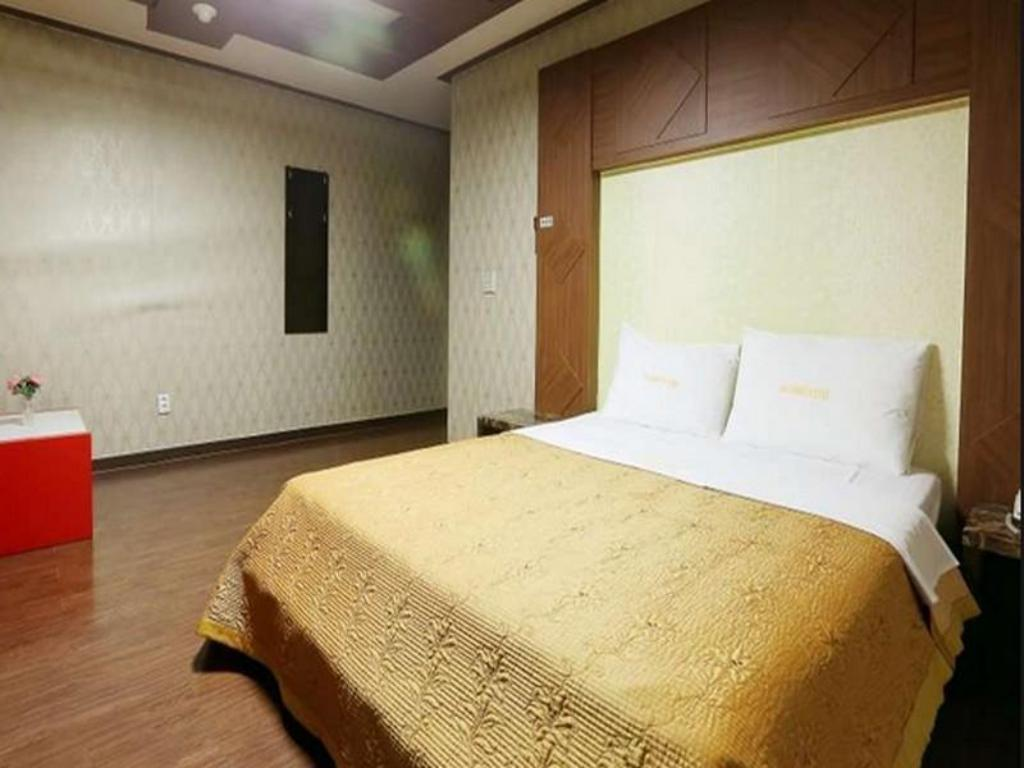 Kamar Deluxe Double Goodstay New Rivera Motel