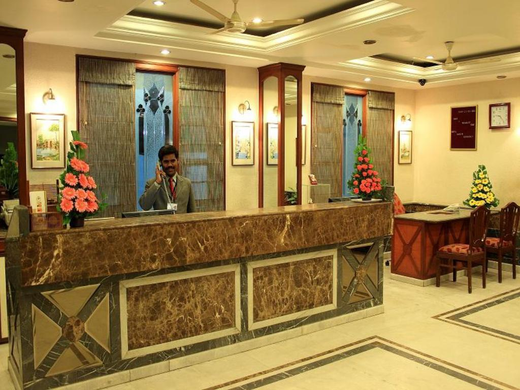 Reception Hotel Basant Residency