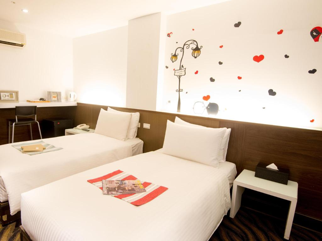 Standard Twin Ximen Holiday Fun Hotel
