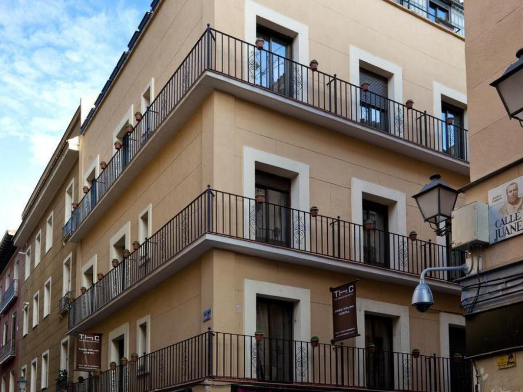 Hostal Thc Tirso De Molina Guesthouse Bed And Breakfast Madrid Deals Photos Reviews
