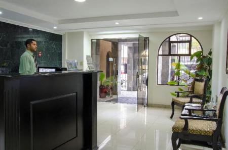 Lobby Hotel Plaza Real Apartments & Suites