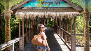 Magnums Airlie Beach