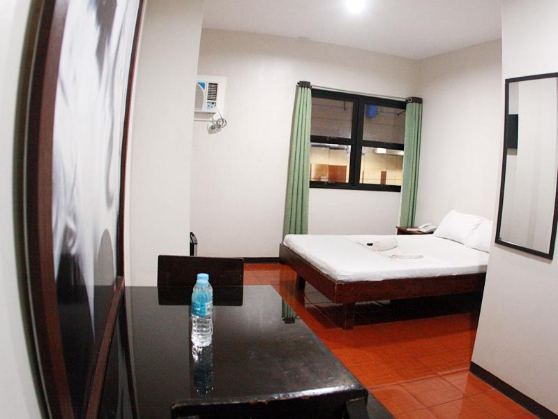 Suitenzimmer (Suite Room)