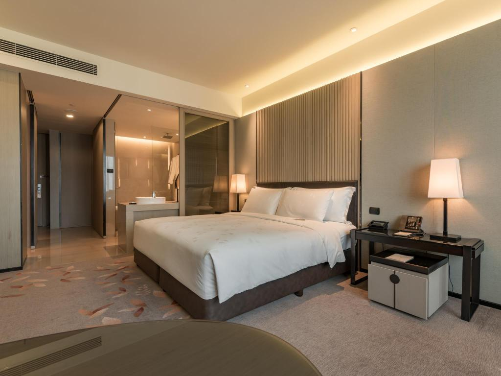Deluxe  - Bedroom The Okura Prestige Bangkok