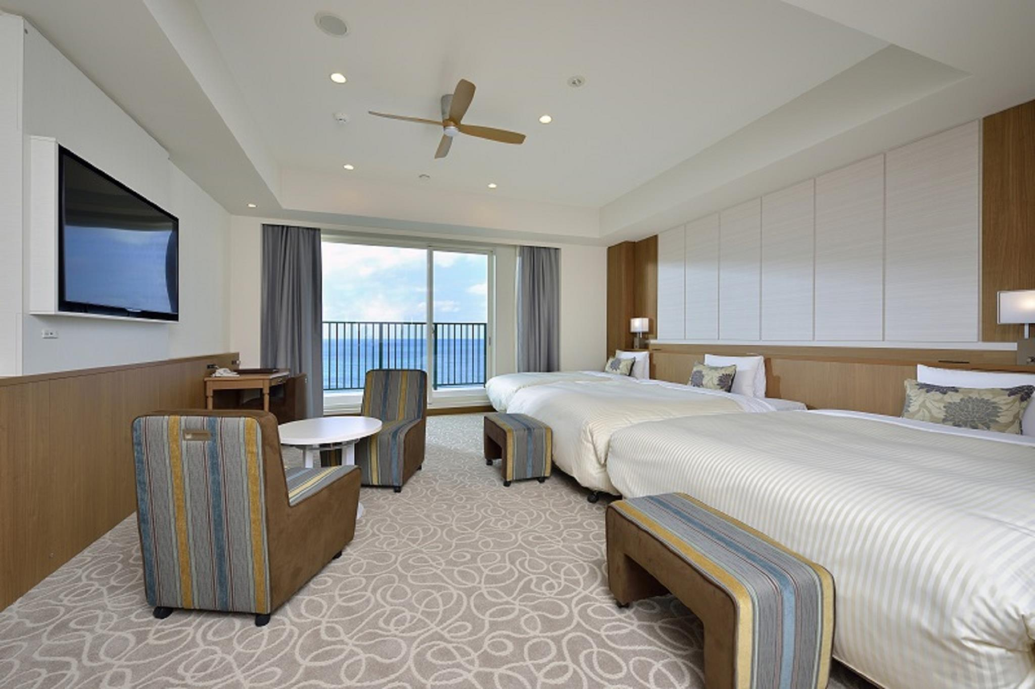 面海小型套房(3張單人床/分館) (Annex Building Oceanfront Junior Suite with 3 Single Beds)