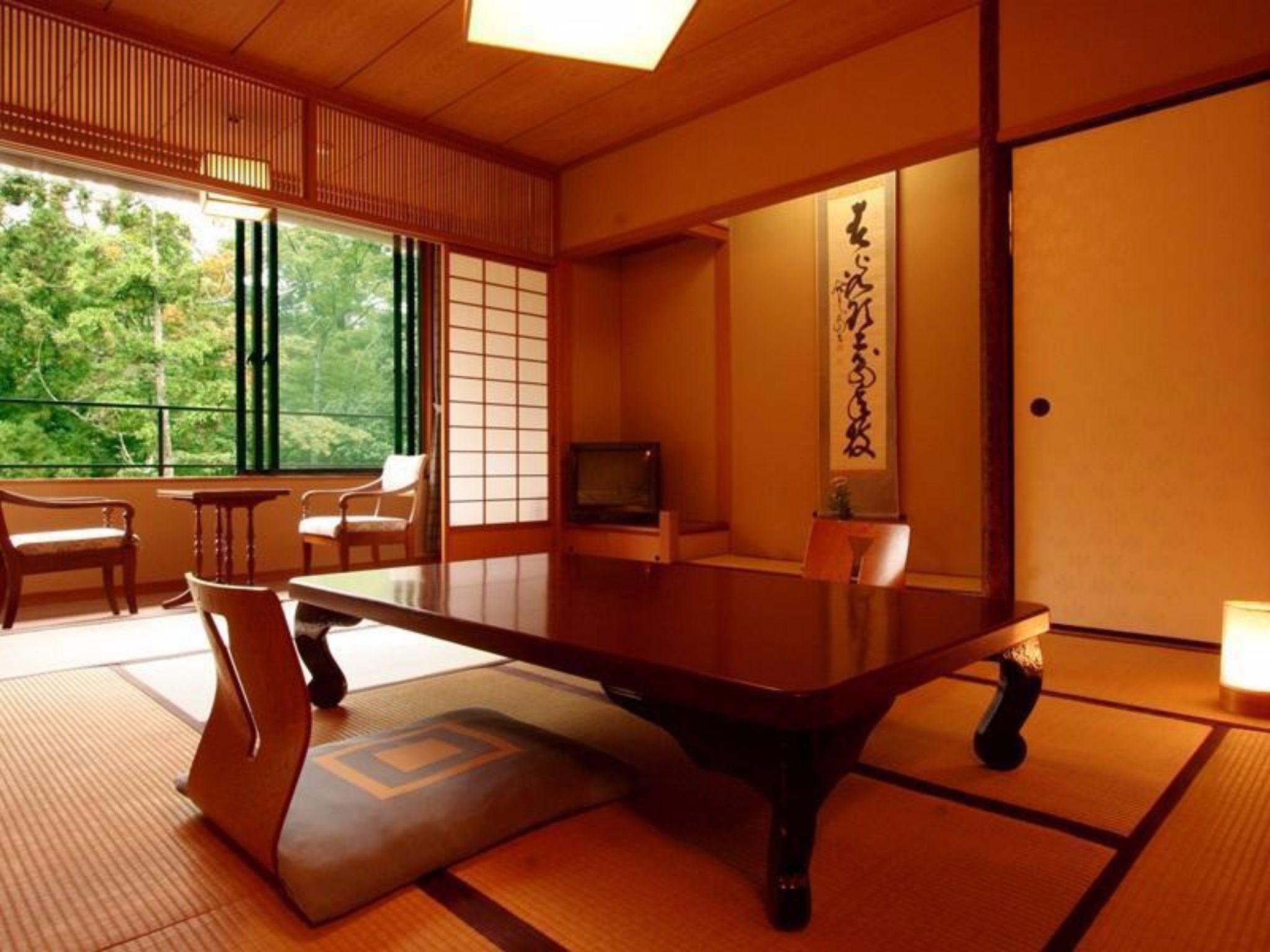 Kasuga Ryokan Hotel - room photo 8576109