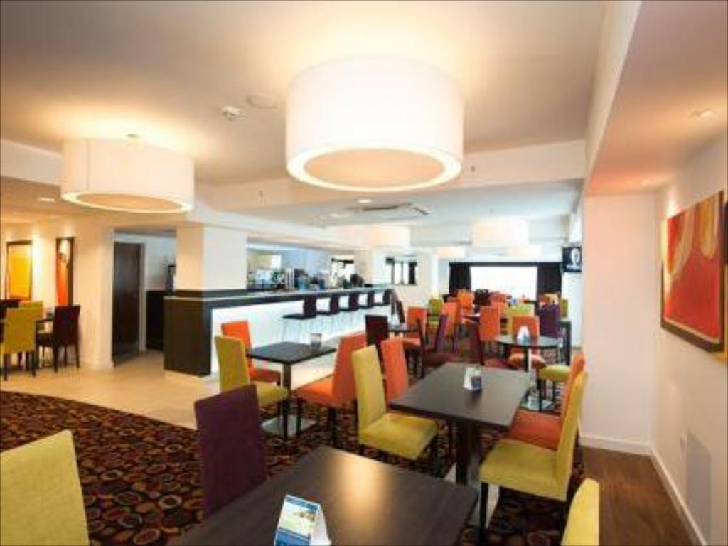 Лоби Holiday Inn Express Birmingham–South A45