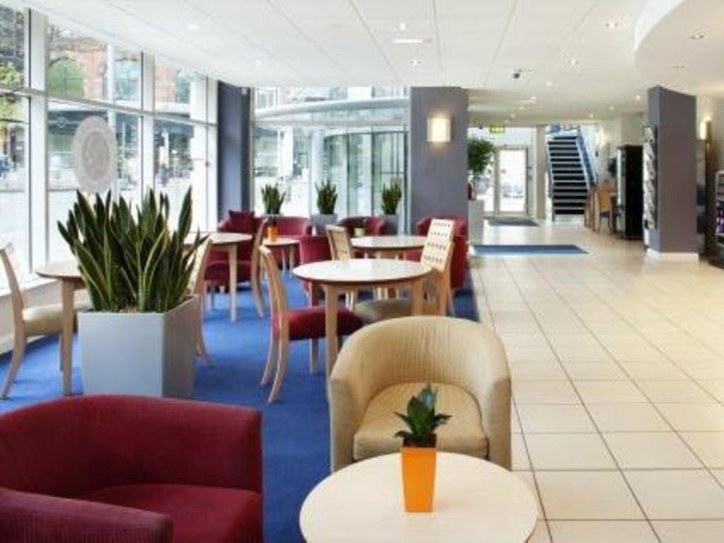 Best Price On Premier Inn Nottingham City Chapel Bar In