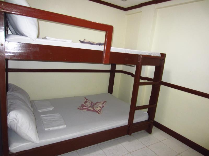 Dormitory (6 Adults)