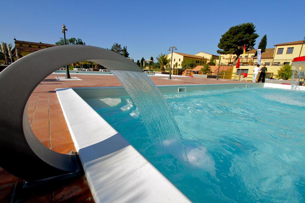 Piscina Poggio all'Agnello Country & Beach Residential Resort