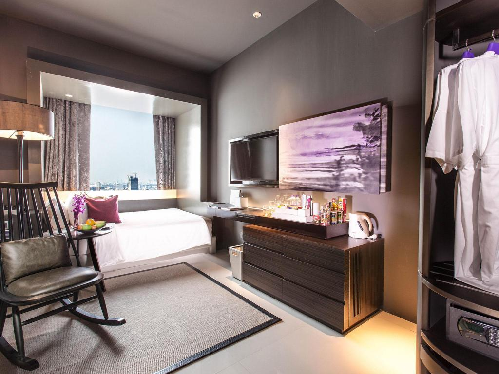 Business Studio - Guestroom Mode Sathorn Hotel