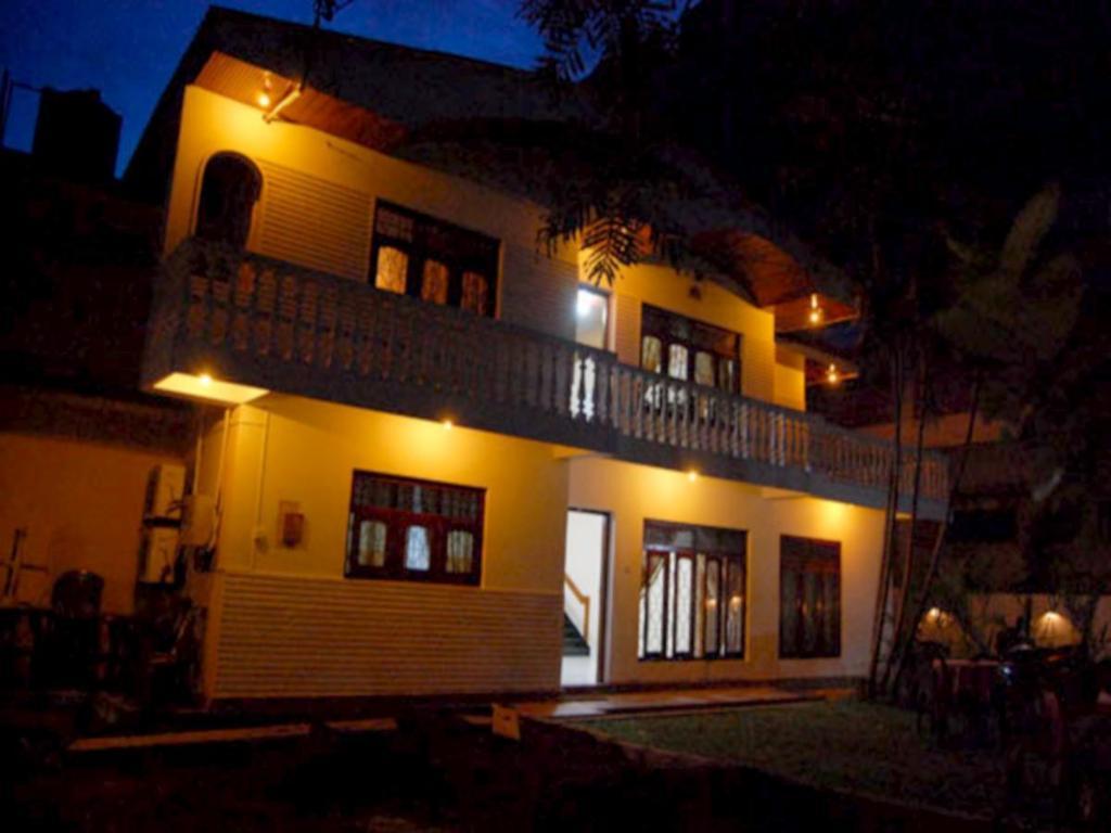 Best Price on French Garden Tourist Rest in Anuradhapura + Reviews