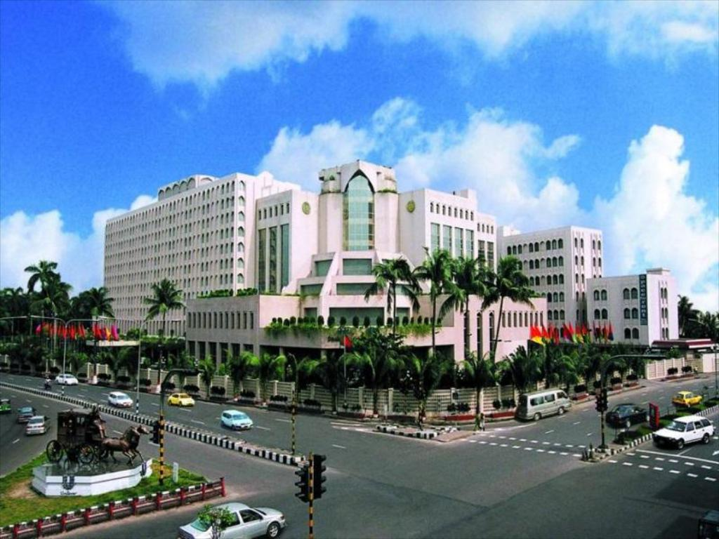 فندق روبوشي بانجالا (Hotel Ruposhi Bangla)