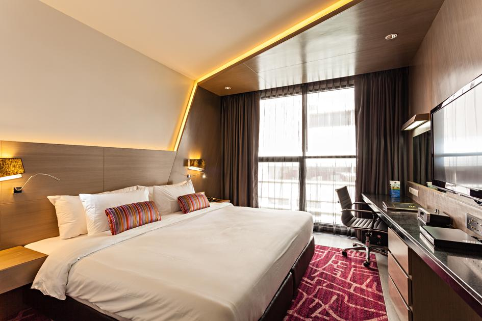 Suite dengan Ranjang King dan Shower – Bebas Asap Rokok (Suite with 1 King Bed and Shower - No Smoking)