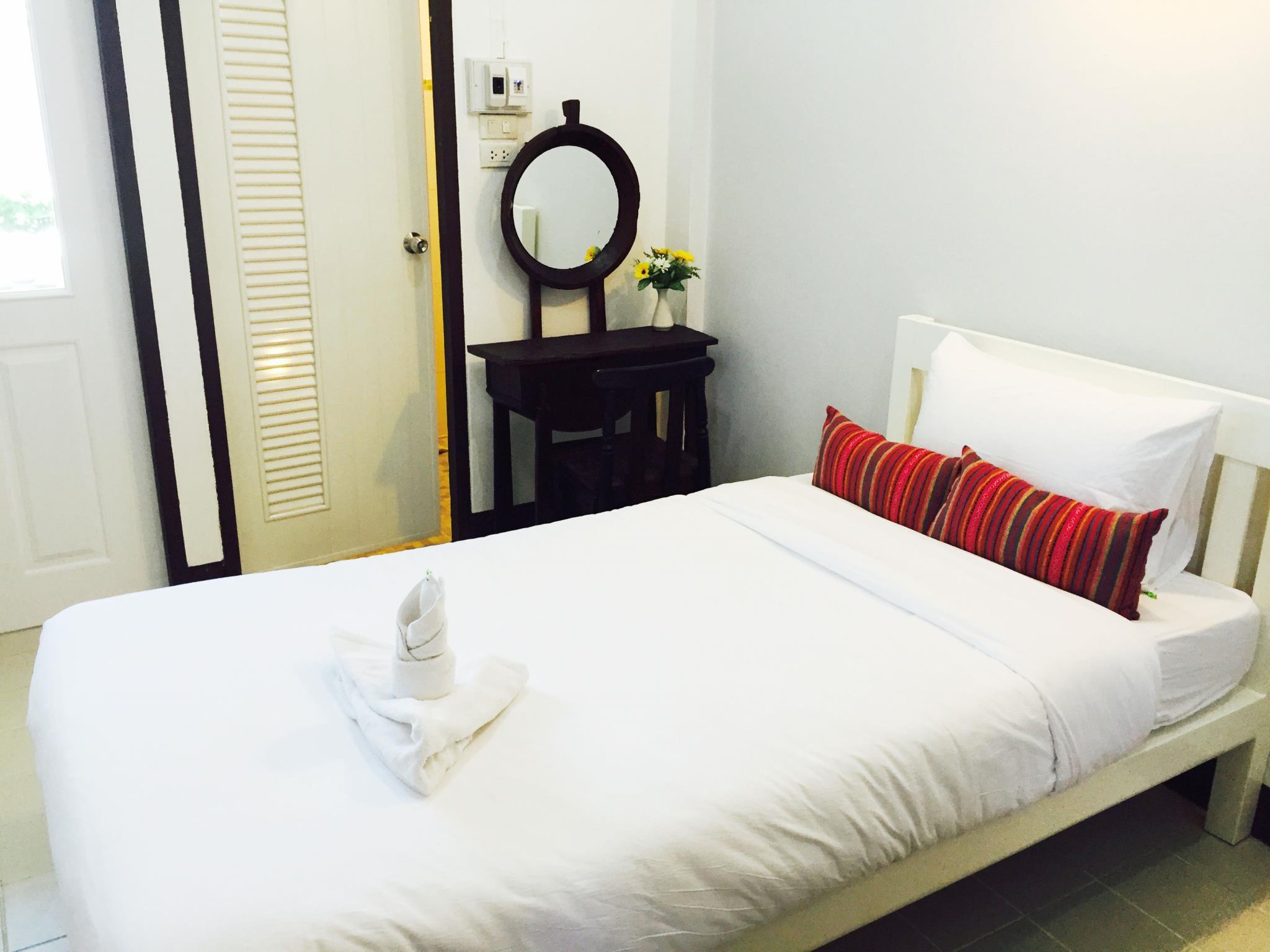 Single   Bed CM Apartment
