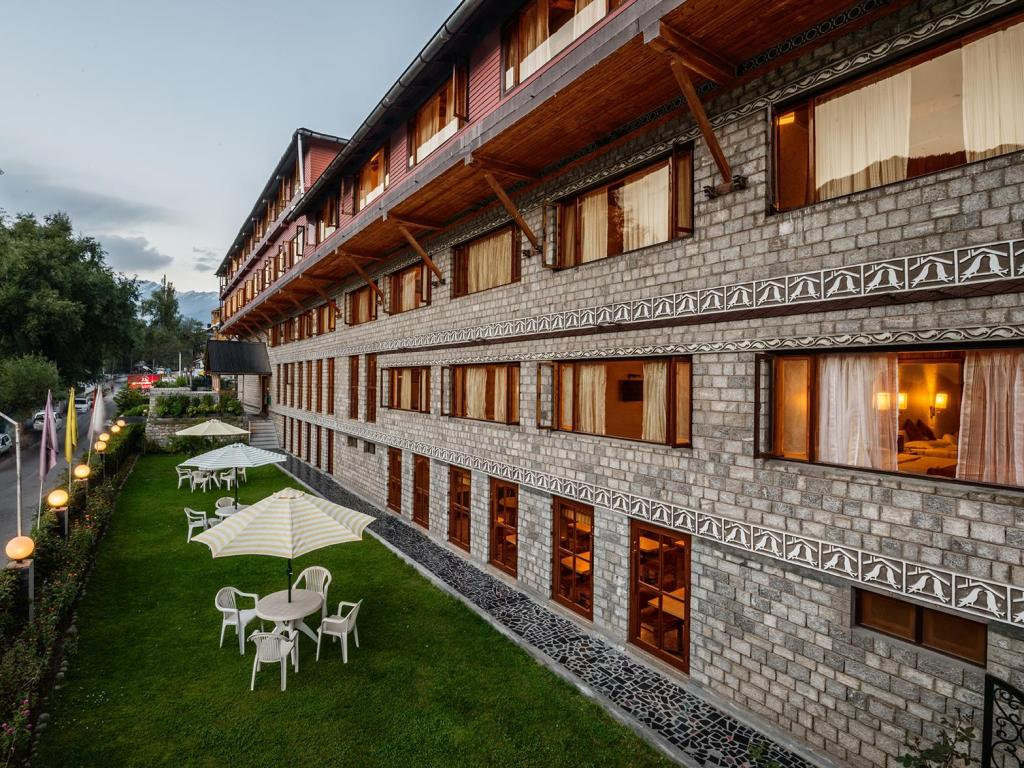 Alle 60 ansehen Honeymoon Inn - Manali