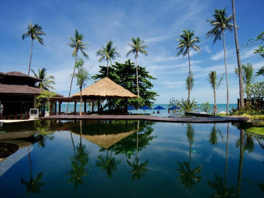 Best price on outrigger koh samui beach resort in samui reviews for Hotels koh samui
