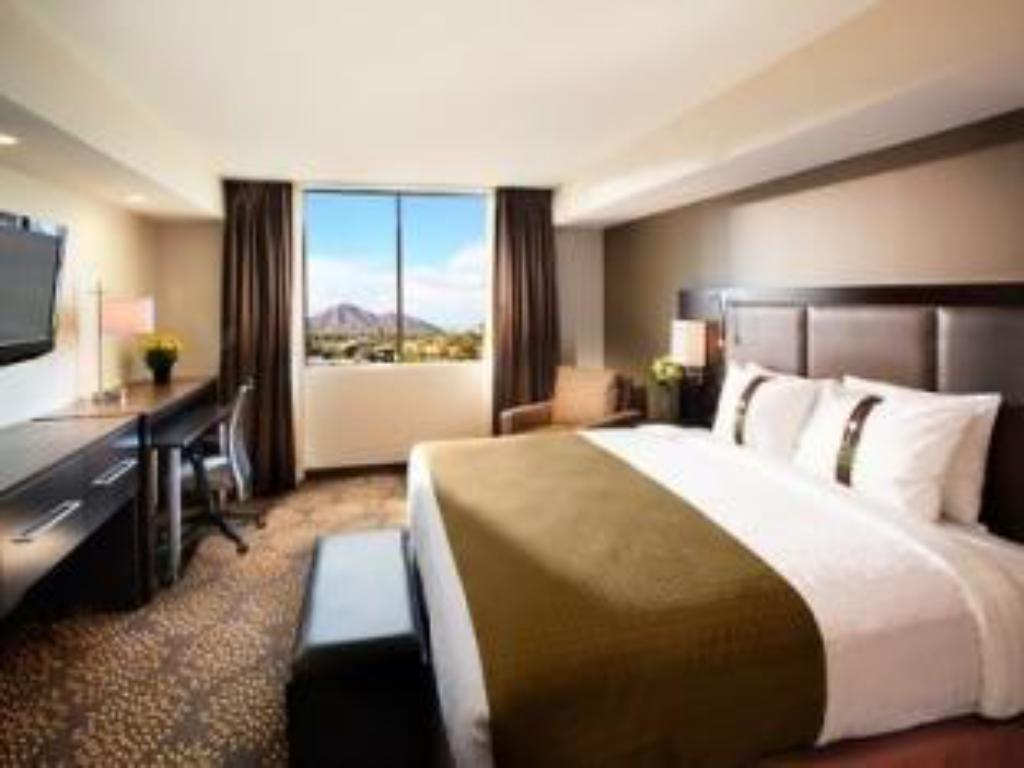 Suite King Bed Holiday Inn and Suites Phoenix Airport North